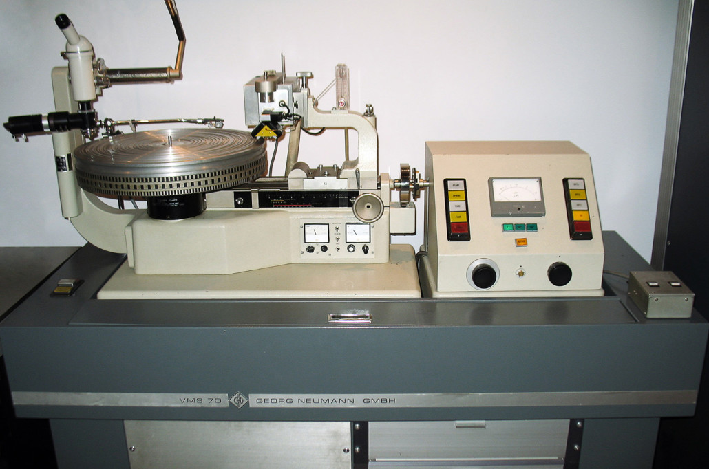 Trutone Mastering Labs Neumann Lathe With Sal74b Cutting